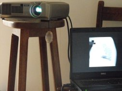 projector/laptop